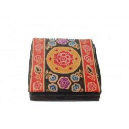 Monedero piel, cuadrado, grabado mandalas