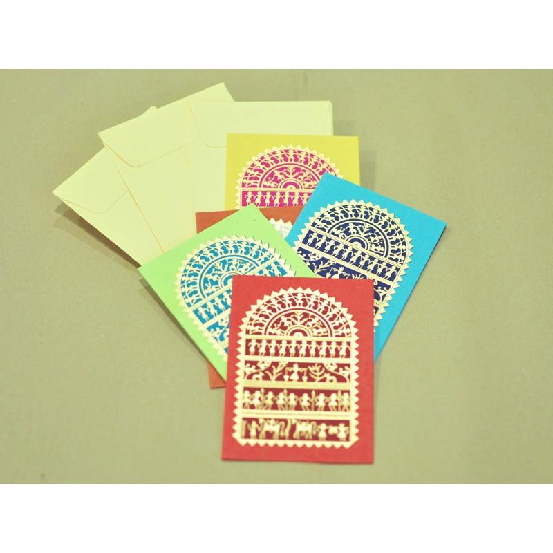 Set 5 tarjetas varios colores dibujo indio