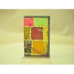 Libreta forrada estilo patchwork con saris reciclados