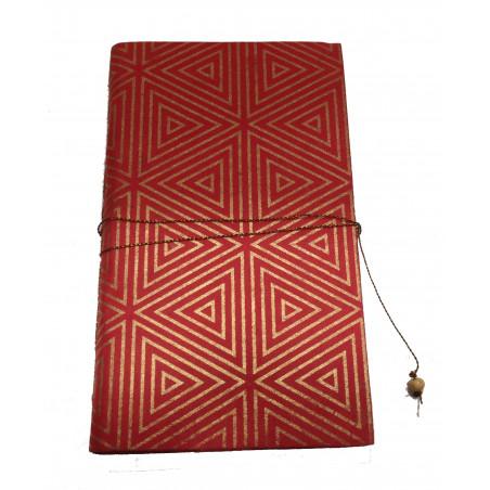 Cuaderno rojo triángulos