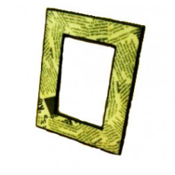 Marco para fotos, madera y papel de periódico