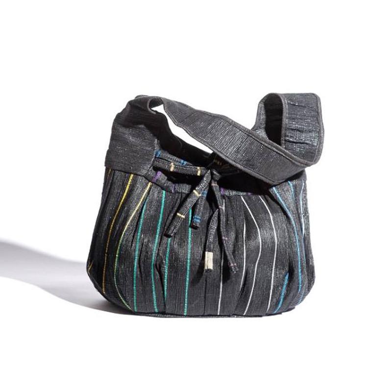 Bolso rectangular con pliegues