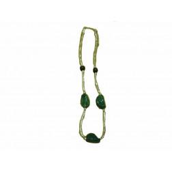 Collar cuentas metalizadas y piedras verdes