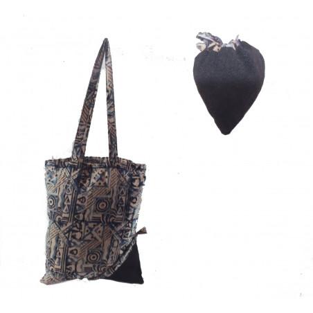 Bolsa tela con bolsito corazón negro