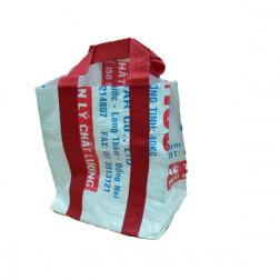 Bolsa pequeña de plástico y reciclada.