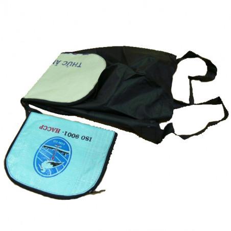 Bolsa plegable de plástico y reciclada.