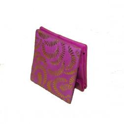 Monedero cuero rosa motivos dorados