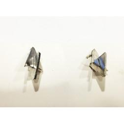 Pendientes dos triángulos plateados